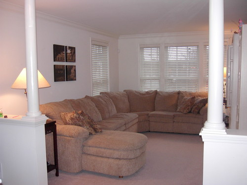 Beautiful & Spacious End-Unit Townhouse in Middletown, NJ